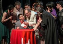 «Самоубийца» Молодежного театра Башкирии поиграл с жанром и терпением зрителей
