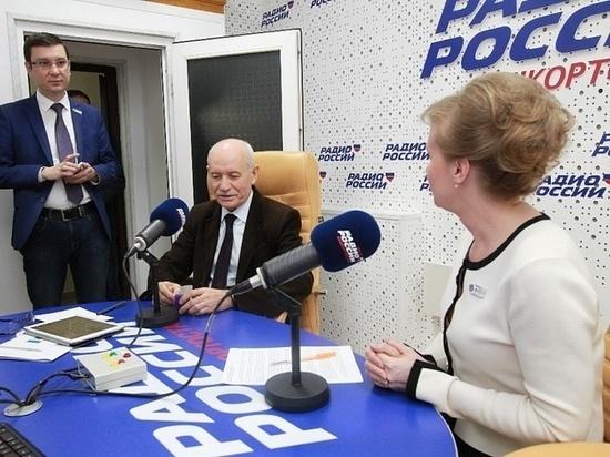 Руководитель Башкирии обратился сПосланием к избранникам Госсобрания